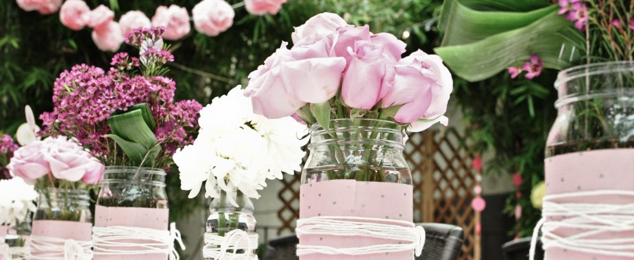 romantic-wedding-centerpieces-mason-jars_featured